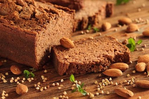 chleb migdałowy